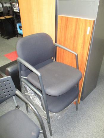 Diverse gebruikte stoelen