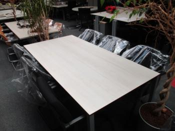 vergadertafel spreektafel conferentie tafel